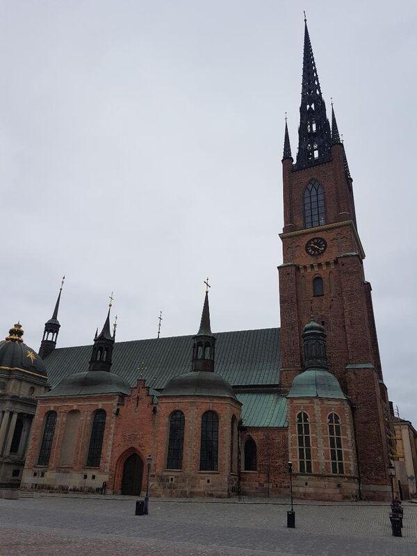 Srednjovekovni manastir u kojem se sahranjuju švedski kraljevi. On se nalazi na ostrvu Ridarholmen, u blizini kraljevskog dvorca u Stokholmu - Sputnik Srbija