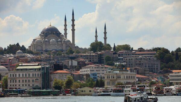 Поглед на Плаву џамију преко Босфора, Истанбул. - Sputnik Србија