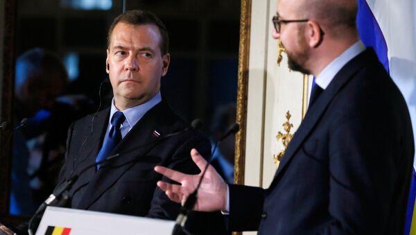 Premijer Rusije Dmitrij Medvedev i premijer Belgije Šarl Mišel - Sputnik Srbija