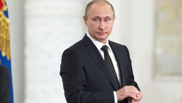 Президент России Владимир Путин на церемонии вручения Государственных премий РФ в Большом Кремлевском дворце - Sputnik Србија