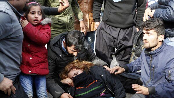 Мигранти на граници Хрватске и Босне - Sputnik Србија