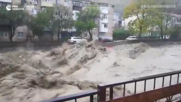 Библијски потоп на југу Русије (видео) - Sputnik Србија
