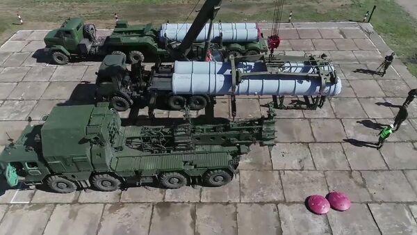 Лансери противваздушних система С-300 на војним вежбама Исток 2018 - Sputnik Србија