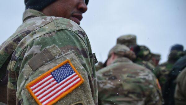 Амерички војник на заједничким војним вежбама САД и Румуније у оквиру операције Атлантска одлучност - Sputnik Србија