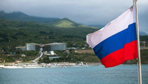 Руска застава на палуби једрењака Херсонес на Криму - Sputnik Србија