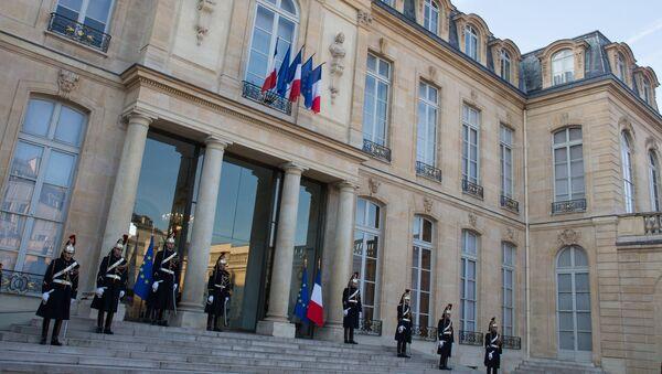 Počasna garda ispred Jelisejske palate u Parizu - Sputnik Srbija