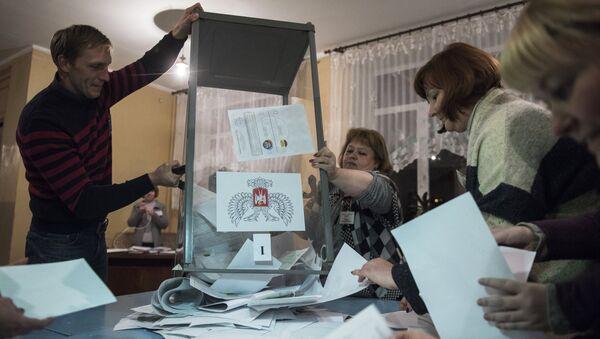 Бројање гласачких листића у Доњецкој Народној Републици - Sputnik Србија