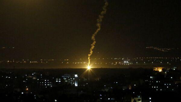 Израелска војска гранатира Појас Газе - Sputnik Србија