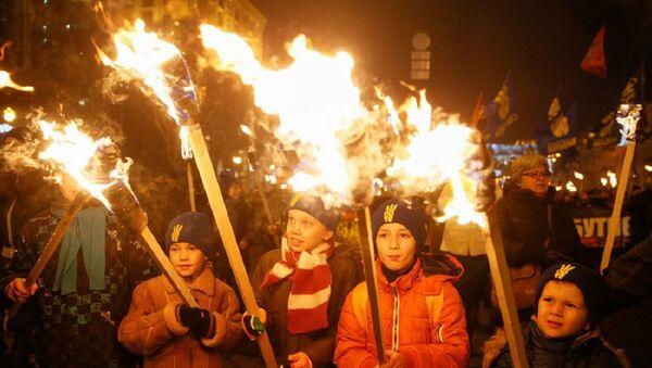 Ukrajina: Obučavaju decu da ubijaju - Sputnik Srbija