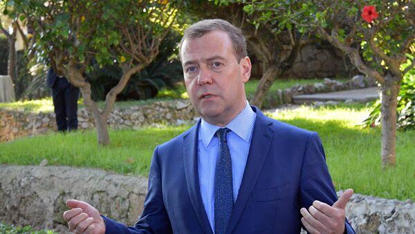 Премијер Русије Дмитриј Медведев на конференцији о Либији у Палерму - Sputnik Србија