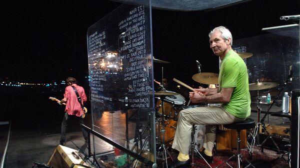 Čarli Vots na koncertu u Riju na kojem se 2006. godine okupilo više od dva miliona poštovalaca rokenrola. - Sputnik Srbija