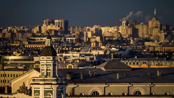 Поглед на Кунсткамеру са Исакијевске цркве у Санкт Петербургу - Sputnik Србија
