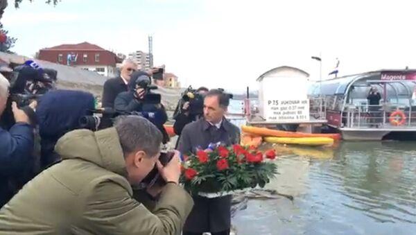 Пуповац полаже венац у Вуковару - Sputnik Србија