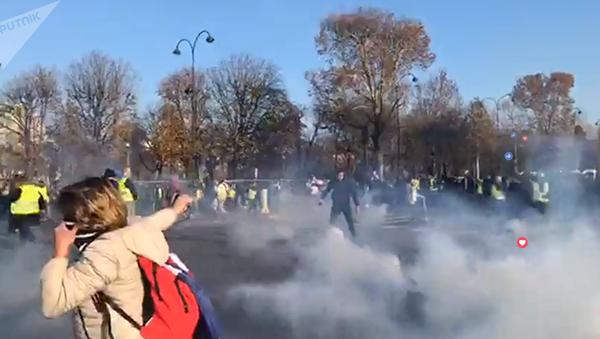 Протести у Француској - Sputnik Србија