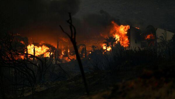 Пожар у Малибуу у Калифорнији - Sputnik Србија