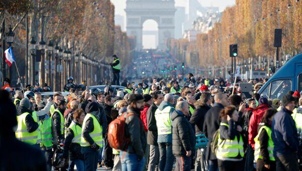 Demonstracije protiv cene goriva, Pariz - Sputnik Srbija