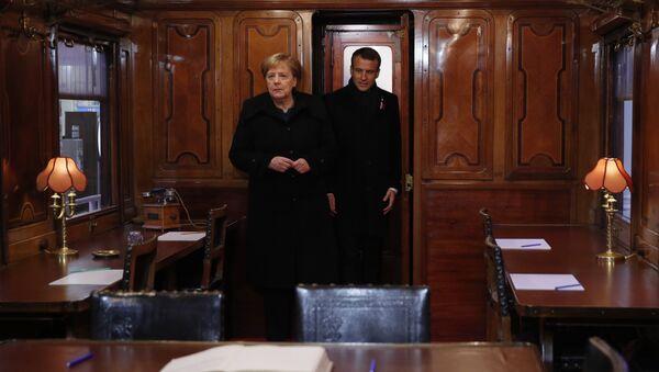 Ангела Меркел и Емануел Макрон - Sputnik Србија