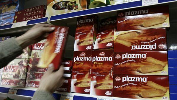 Plazma keks na rafovima u radnjama na KiM - Sputnik Srbija