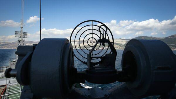 Mali protivpodmornički brod Povorino vojne pomorske baze Crnomorske flote ruske mornarice tokom taktičkih vojnih vežbi  - Sputnik Srbija