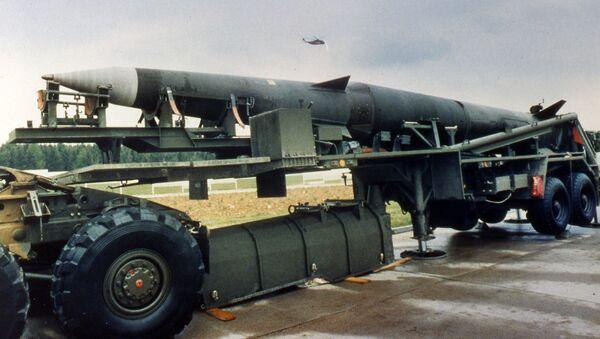 Америчка балистичка ракета средњег домета Першинг 2 у америчкој бази у Немачкој 1987. - Sputnik Србија
