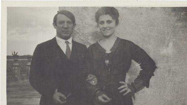 Пабло Пикасо и Олга Хохлова - Sputnik Србија