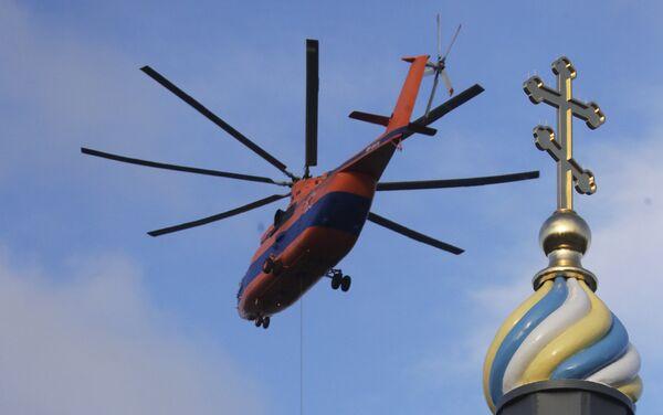 Helikopter Mi-26 prevozi avion Su-27 - Sputnik Srbija