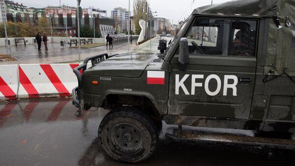 Pripadnici KFOR-a u Kosovskoj Mitrovici  - Sputnik Srbija