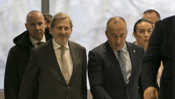 Johanes Han i Ramuš Haradinaj - Sputnik Srbija
