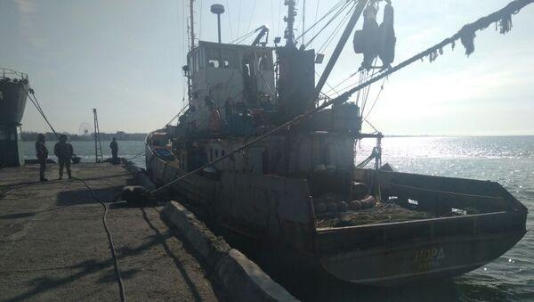 Заплењени руски риболовачки брод Норд у украјинском делу територијалних вода Азовског мора - Sputnik Србија