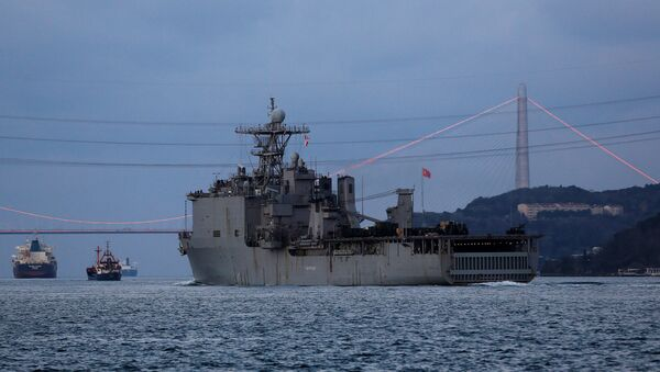 Američki brod Karter Hol ulazi u Bosfor - Sputnik Srbija