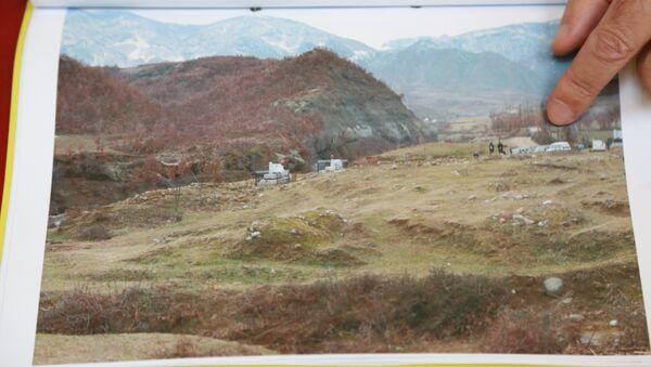 """Локација """"жуте куће"""" и места на ком се претпоставља да су закопана тела. - Sputnik Србија"""
