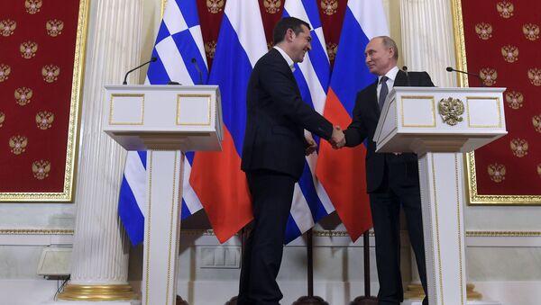 Премијер Грчке Алексис Ципрас и председник Русије Владимир Путин - Sputnik Србија