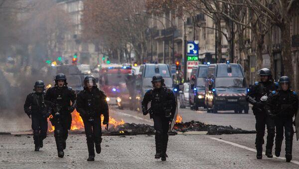 """Protesti """"žutih prsluka"""" u Parizu - Sputnik Srbija"""
