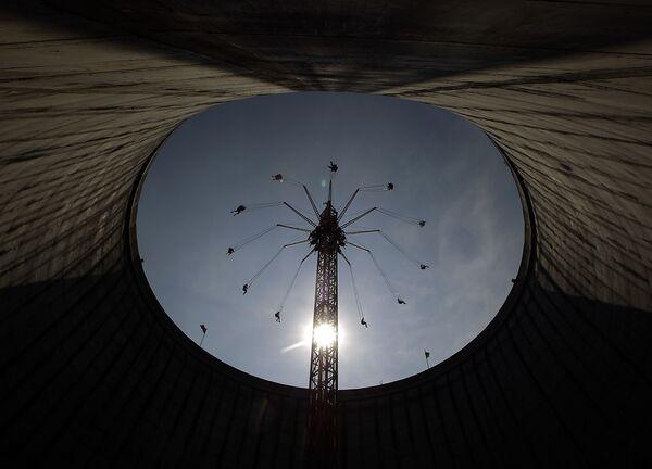 Otkrijte nove svetove i magična carstva: Zabavni parkovi od Ferarija do Harija Potera - Sputnik Srbija