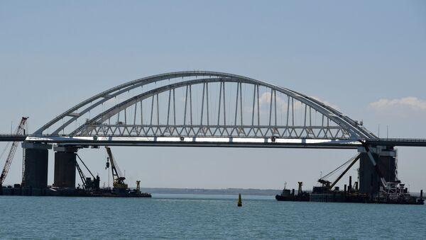 Pogled na Krimski most - Sputnik Srbija