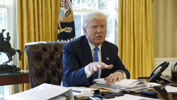 U.S. President Donald Trump is interviewed by Reuters in the Oval Office at the White House in Washington - Sputnik Srbija