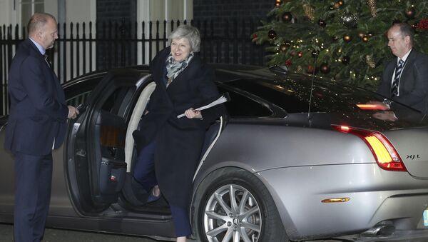 Britanska premijerka Tereza Mej dolazi u svoju rezidenciju u Londonu - Sputnik Srbija