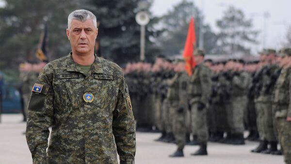 Hašim Tači sa pripadnicima bezbednosnih snaga samoproglašene republike Kosovo - Sputnik Srbija