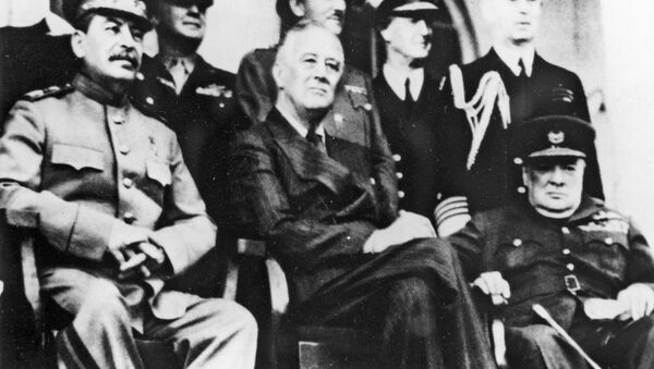 Техеранска конференција, Френклин Рузвелт, Винстон Черчил и Јосиф Стаљин - Sputnik Србија