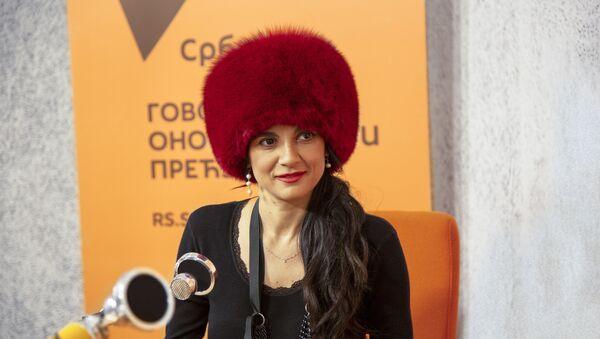 Глумица Вјера Мујовић - Sputnik Србија
