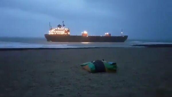 Ruski teretni brod Kuzma Minjin nasukan na britanskoj obali - Sputnik Srbija