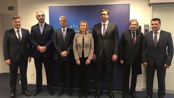 Denis Zvizdić, Milo Đukanović, Hašim Tači, Federika Mogerini, Aleksandar Vučić, Johanes Han i Zoran Zaev - Sputnik Srbija