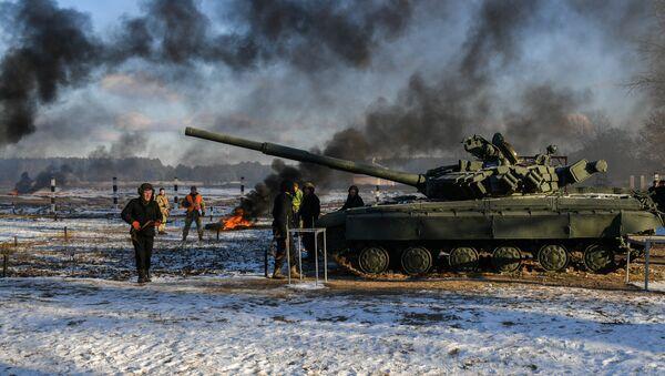 Ukrajinski vojnici na vojnim vežbama u trenažnom centru Desna u regionu Černigov - Sputnik Srbija