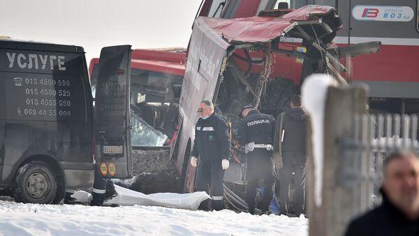 Стравичне слике из Међурова код Нише где су се сударили воз и аутобус - Sputnik Србија