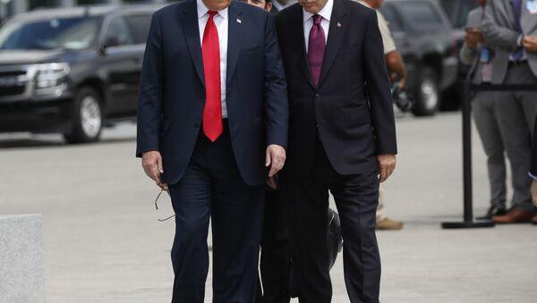 Доналд Трамп и Реџеп Тајип Ердоган на самиту НАТО у Бриселу 11. јула 2018. - Sputnik Србија