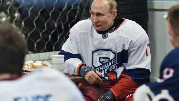 Председник Русије Владимир Путин у пријатељској хокејској утакмици - Sputnik Србија