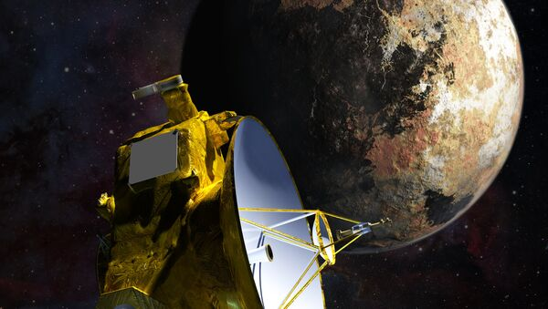 Уметничка визија сонде Њу хорајзонс како се приближава Плутону и његовом највећем месецу Харону - Sputnik Србија