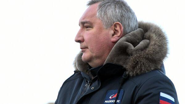 Generalni direktor ruske državne korporacije Roskosmos Dmitrij Rogozin na kosmodromu Bajkonur - Sputnik Srbija