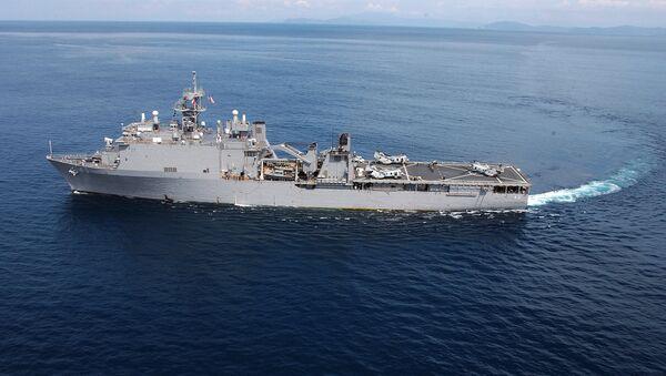 Амерички дестантни брод Форт Мекхенри - Sputnik Србија