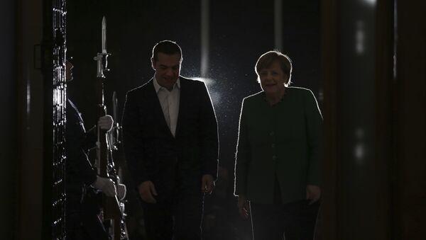 Алексис Ципрас и Ангела Меркел - Sputnik Србија